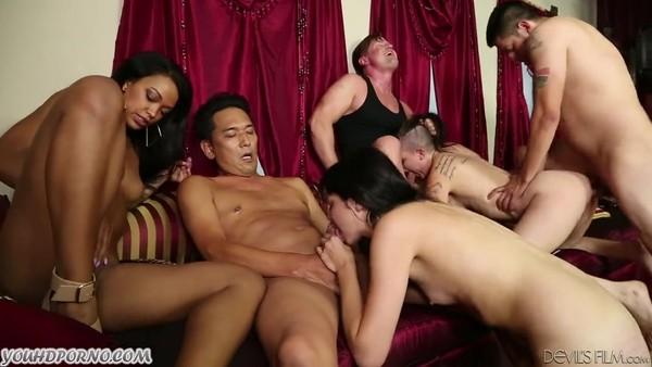 Горячее групповое порно с молоденькими девчатами
