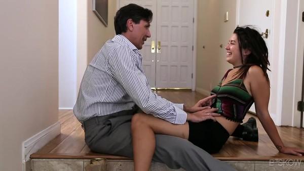 Мужчина довел до незабываемого оргазма молоденькую красавицу