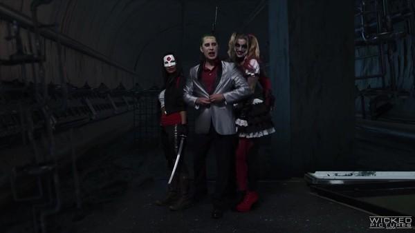 Отряд Самоубийц (XXX пародия): Харли Квинн трахается с Джокером и Бэтменом