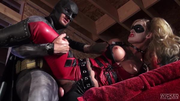 Бэтмен против Супермена (XXX пародия): Часть 2