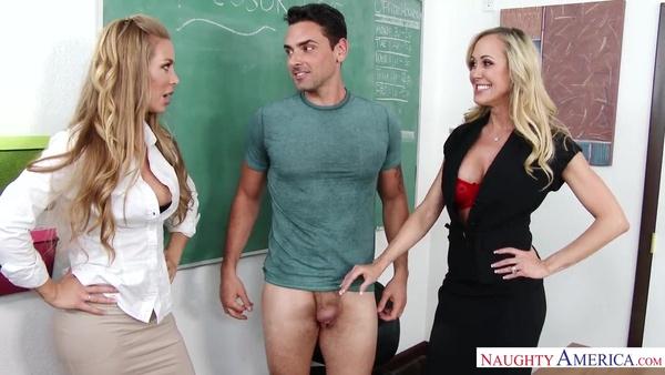 Шикарные преподавательницы трахнулись с практикантом на столе