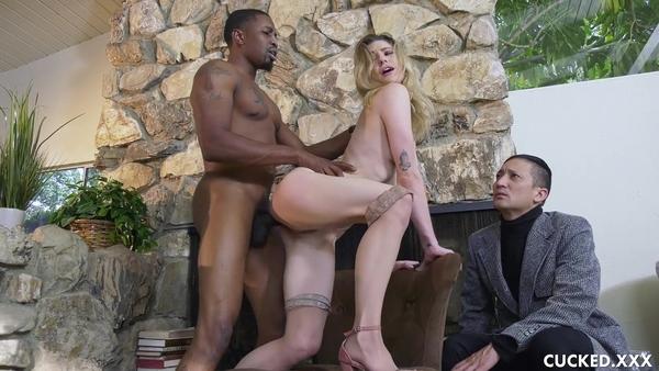 Страстная девица изменяет зрелому мужу с мускулистым негром