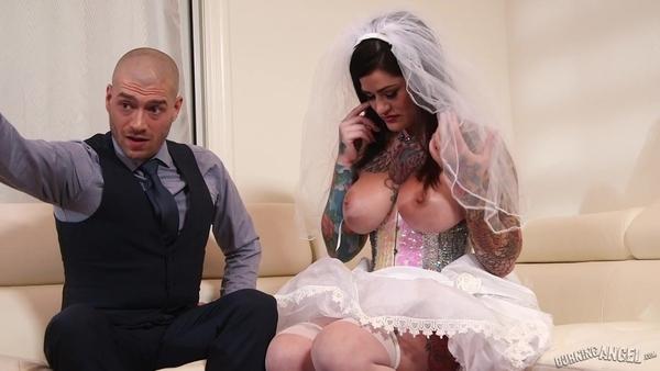 Сисястая сучка в свадебном платье любит пожестче
