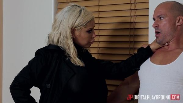 Воинственная блондинка Bridgette B хочет горячего секса
