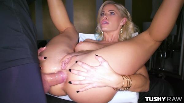 Элитная проститутка кувыркается с состоятельным клиентом