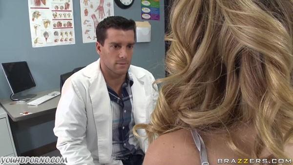 Соблазнила молодого врача