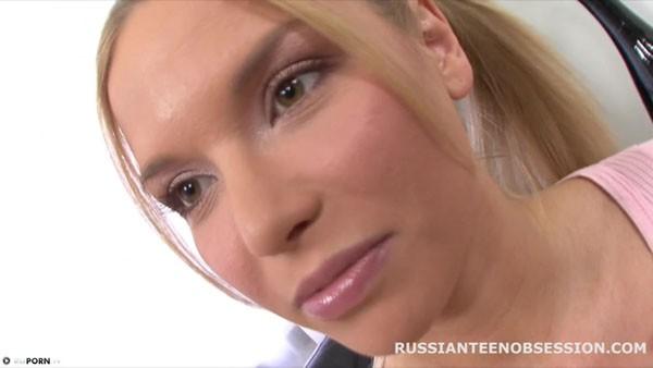 Анальные забавы с русской девчонкой