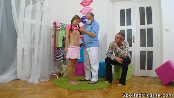 Трахнул девушку под надзором врача