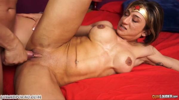 Жесткий трах в глубокую вагину раскованной дамы